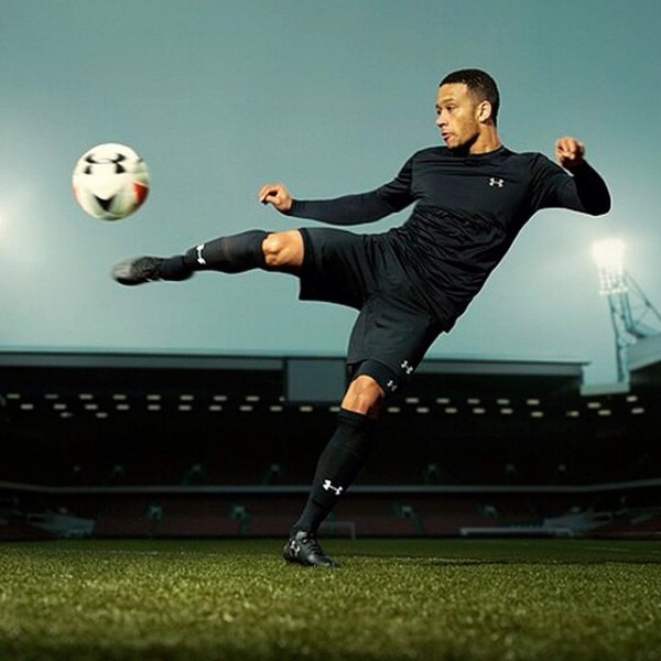 Depay_Under Armour3